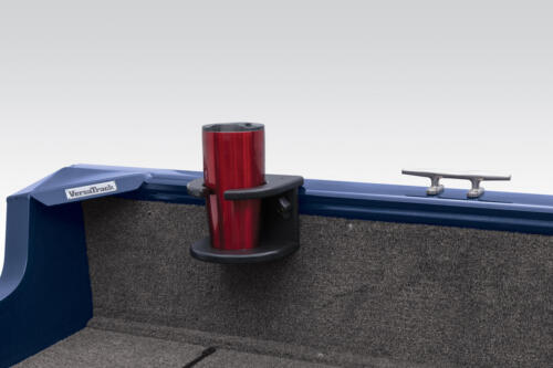 Exclusive VERSATRACK® accessory-mounting channel in gunnels